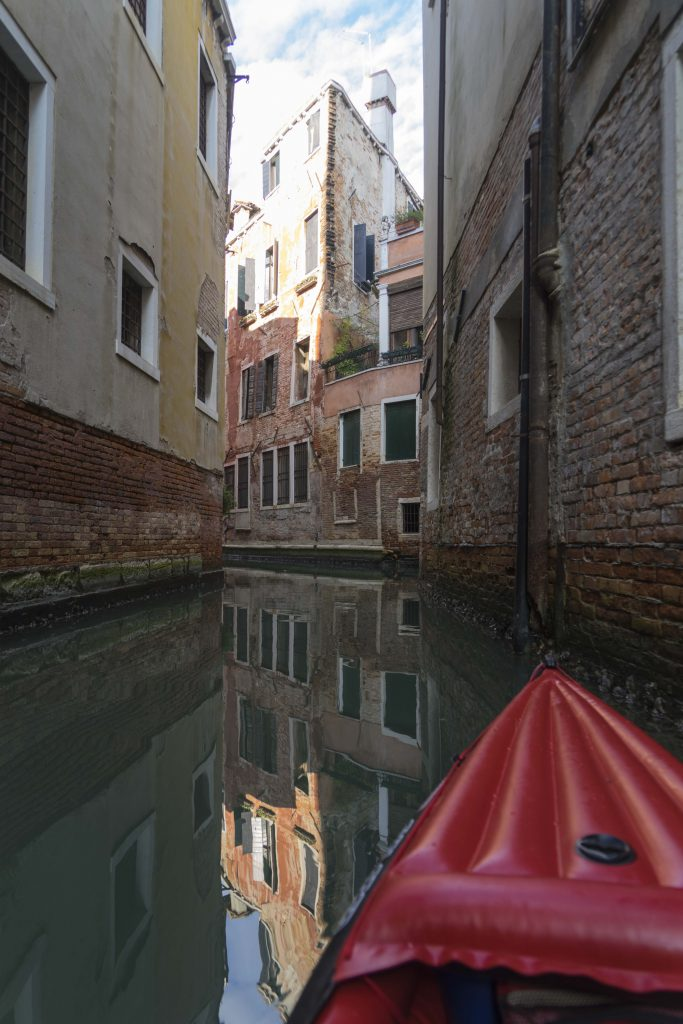 venice_kayak_mirrow