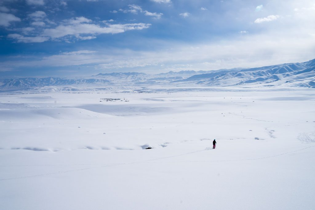 Skiing Suusamyr- endless width